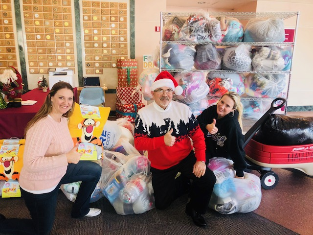 Elementary Brings Warmth and Comfort to Hospitalized Kids